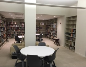 The Lebanese American University's library in New York City, photo by Benjamin Plackett.