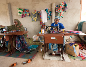 Women in Cameroon can make a living as seamstresses at a UN center. (Photo: UN Women)
