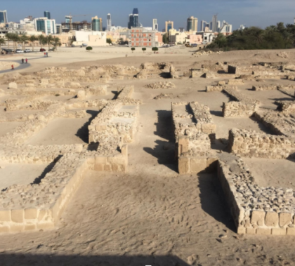 Qal'at al-Bahrain archaeological site. Photo by Benjamin Plackett.